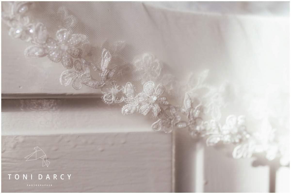 Shireburn Arms Wedding Photographer - Toni Darcy