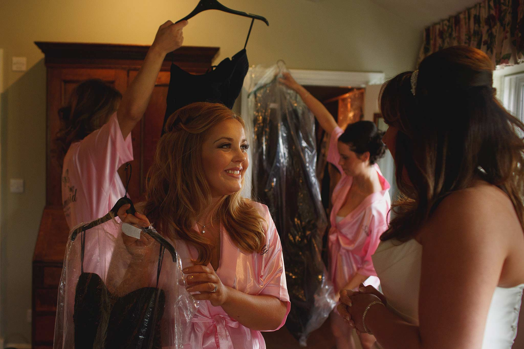 Bridesmaids getting ready for wedding at the inn at whitewell